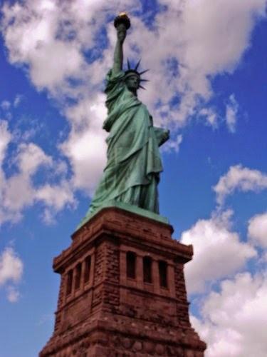【旅遊】紐約NewYork自由行Day1(上)時報廣場、自由女神與艾利斯島移民歷史博物館